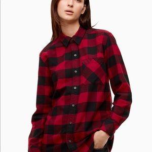 Aritzia TNA plaid flannel shirt is classic fit